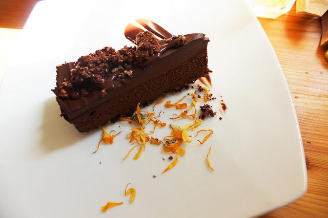 Wild food cafe raw vegan chocolate tart