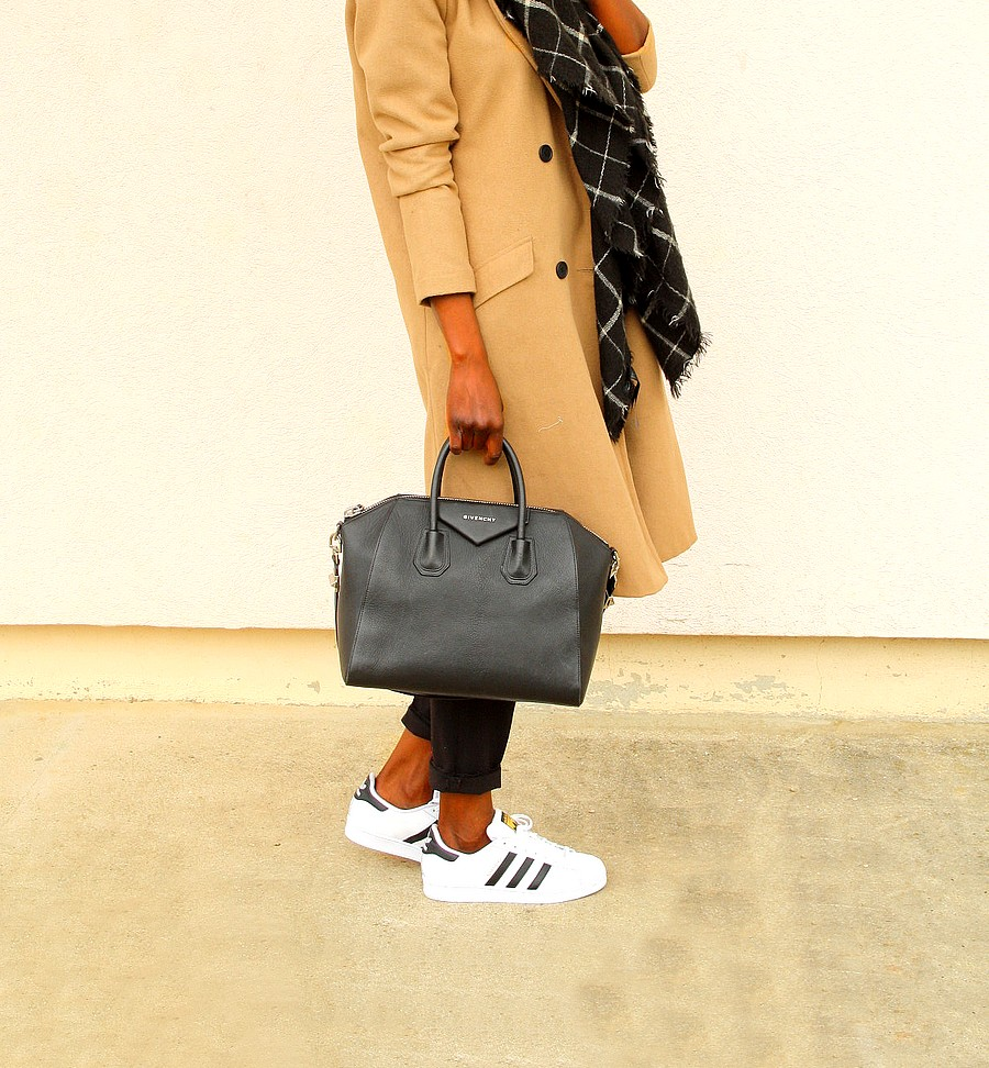 Sac Givenchy Antigona Adidas Superstar Camel coat outfit style blogger