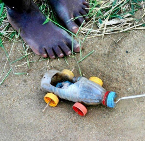 Pavan Mickey Toys Of Poor African Children
