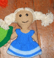 http://www.ravelry.com/patterns/library/anna-and-elsas-dolls#