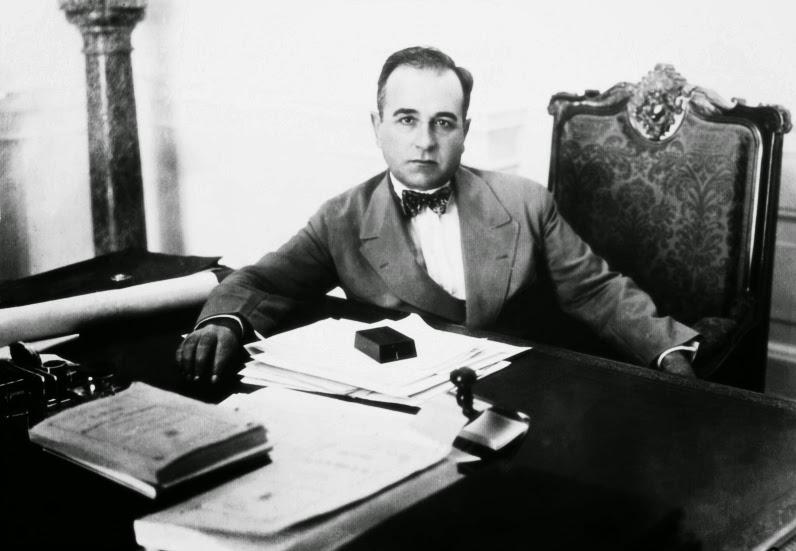 Getúlio Vargas exerceu a advocacia, em São Borja, no início do século XX