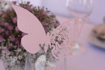 Schleierkraut-Wolken in rosa und weiß - Sommerhochzeit in Bayern, Garmisch-Partenkirchen, Riessersee Hotel, Hochzeitshotel, Babies breath wedding