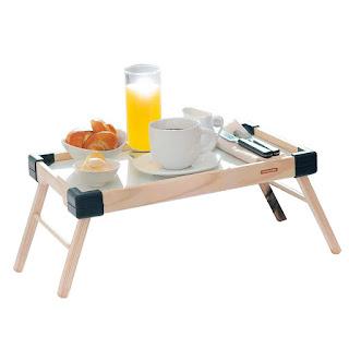 Mesa ideal para tomar el desayuno en la cama
