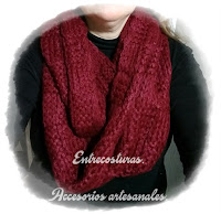 Bufanda circular de lana. Entrecosturas. Accesorios artesanales.