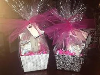 Happy-Mothers-Day-Gift-Hampers-Images