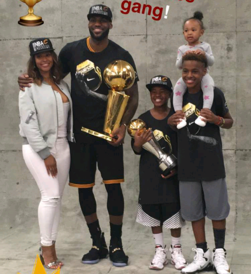 Lebron James his wife amp kids pose with his NBA  : Screenshot2016 06 20 18 51 22 from madailygist.com size 500 x 545 png 389kB
