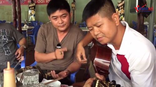 """Đàn Guitar và """"văn hóa nhậu"""" của người Sài Gòn"""