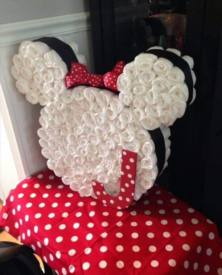 DIY-Diaper-Minni-Mounse-Cake--bolo de fraldas-bolo de cha de bebe-bolo fralda-modelos de fraldas-decoracao cha de bebe-bolos decorados cha- fralda-cha de bebe-pacote de fralda-gravidez-gestação-maternidade