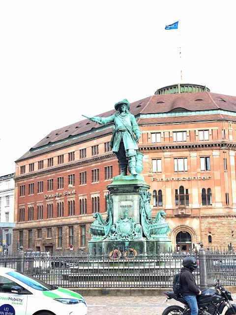 Statue of Niels Juel