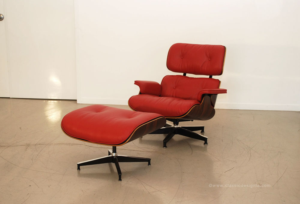 classic design: Restored Eames Lounge Chair in Red Leather