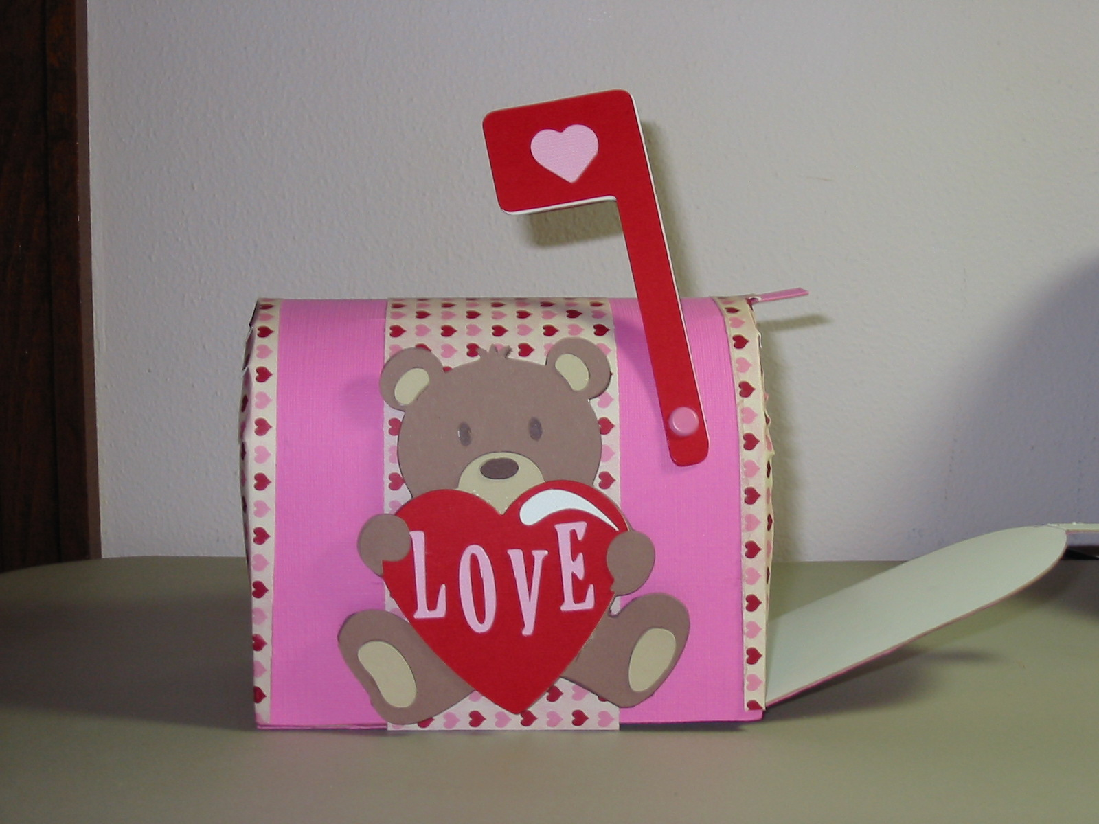 3D Valentine Mailbox. 1600 x 1200.Valentine Mailbox For Kids To Make