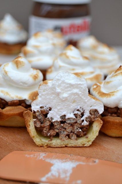 Crispy Nutella Mini Meringue Pies