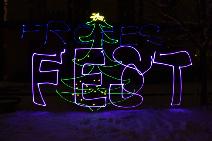 Frohes Wehnachtsfest - mit Lichtmalerei am Foto