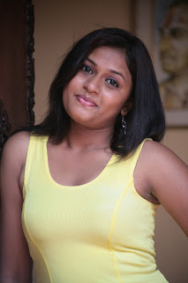 Actress Kiruthika Spicy Gallery (1)