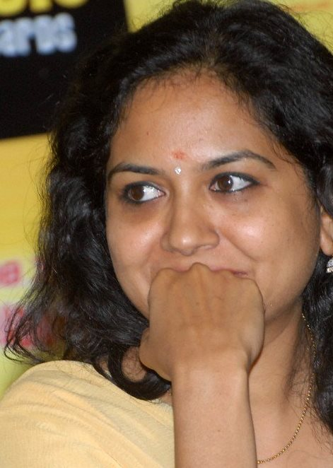 Singer Sunitha Smiling Face Closeup Stills