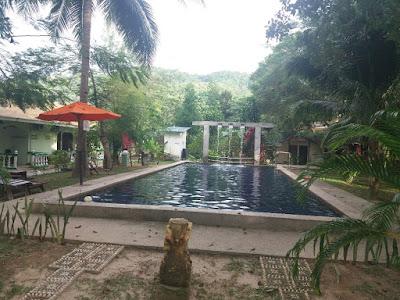 Zwembad bij mijn vakantieverblijf op Langkawi Eiland