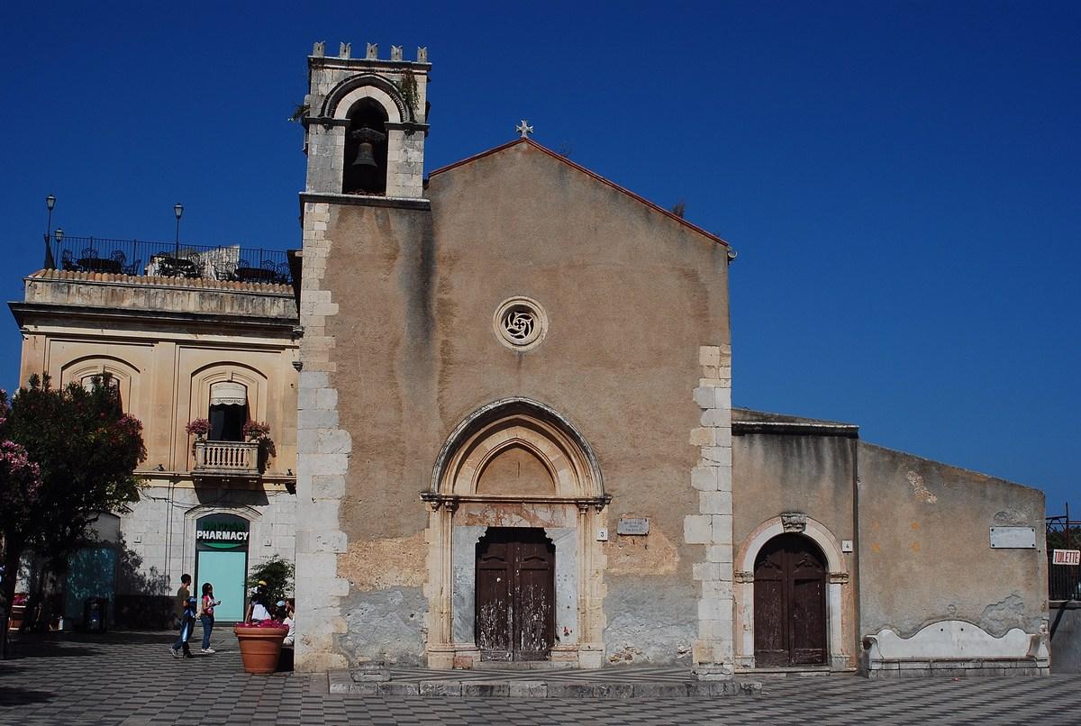 Eglise San Agostino, de la Taormine moyenâgeuse.