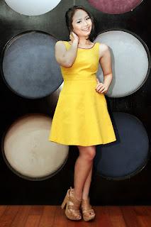 paha mulus Penyanyi Muda Berbakat Gita Gutawa