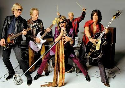 Foto de Aerosmith con sus instrumentos
