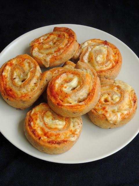 Tomato Pesto & Multigrain Cheese Rolls