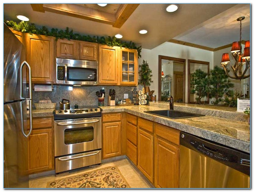 Kitchen Decor Ideas With Oak Cabinets Home Interior Exterior Decor Design Ideas