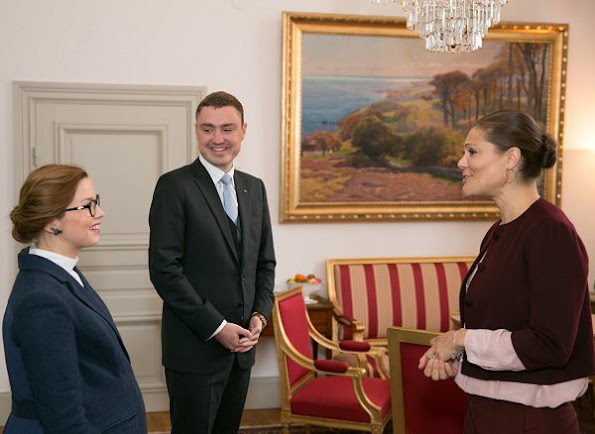 Crown Princess Victoria and Prince Daniel met with Estonia's Prime Minister Taavi Rõivas his wife Luisa Värk. Princess Victoria wore red cape