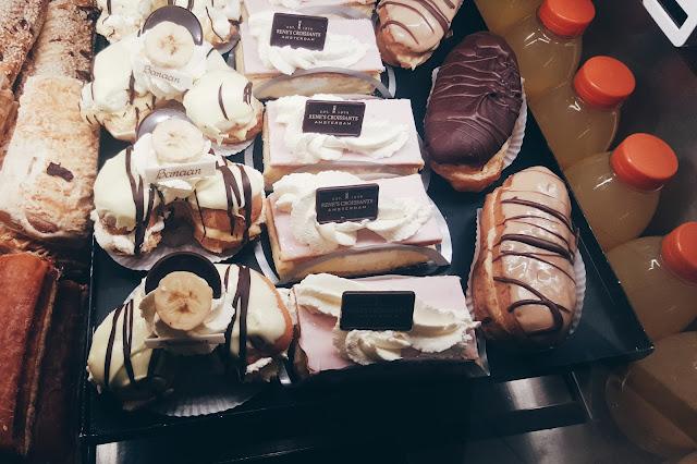 renes croissants desserts