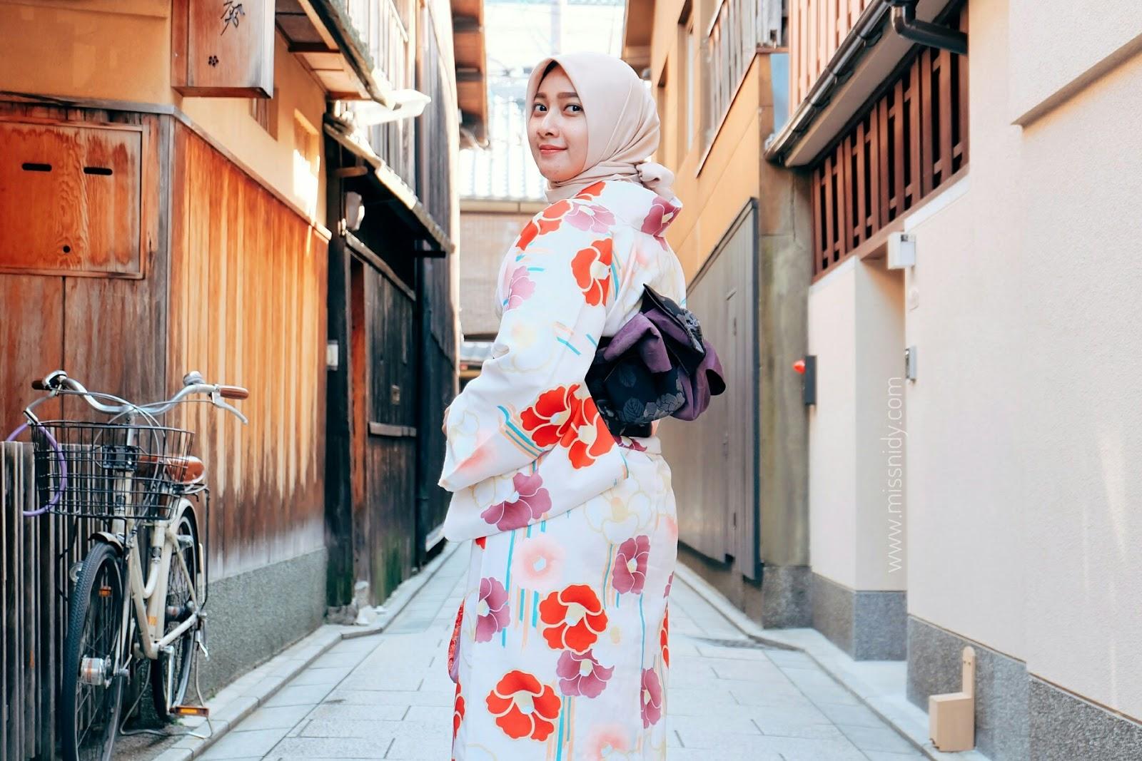 sewa kimono di kyoto untuk hijaber