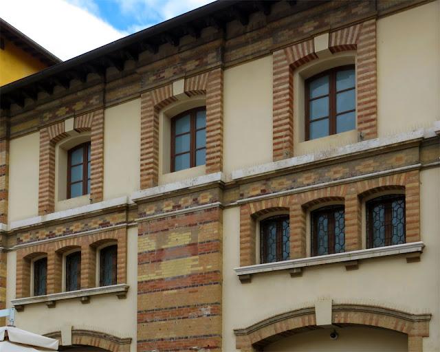 Former Rimediotti fire station, Via Mayer, Livorno