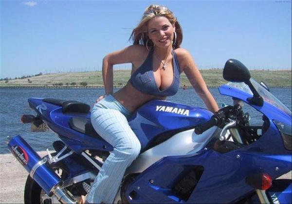 Mulher com decote na moto, gostosa com decote na moto, gostosa em moto, Mulher semi nua em moto, woman motorcycle, babes on bike, woman on bike, sexy on bike, sexy on motorcycle, ragazza in moto, donna calda in moto, femme chaude sur la moto, mujer caliente en motocicleta, chica en moto, heiße Frau auf dem Motorrad, woman with neckline, Pin Ip,Женщина, сексуальная, мотоциклы, сексуальные, бикини