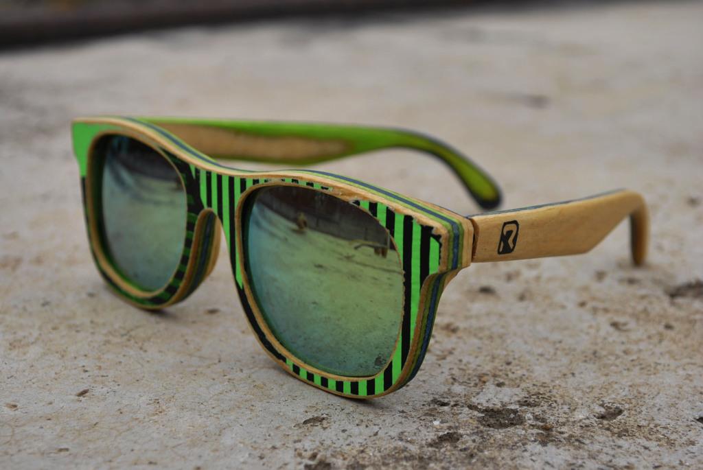 1fa02c8cd A Remake é outra marca de óculos de madeira incrível da lista. O grande  diferencial deles é que a marca trabalha com upcycling, onde os óculos são  ...
