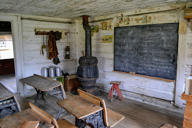 Найстаріша школа Монтани. Музей Невада-Сіті, Монтана (Montana's oldest standing school. Nevada City's museum, Nevada City, MT)