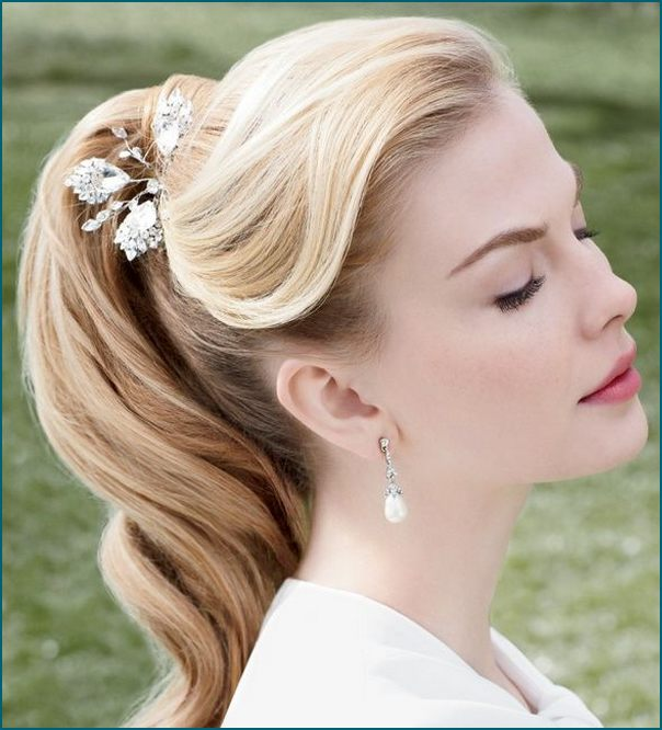 Guest Post: 5 Lovely And Simple Hair Styles To Look