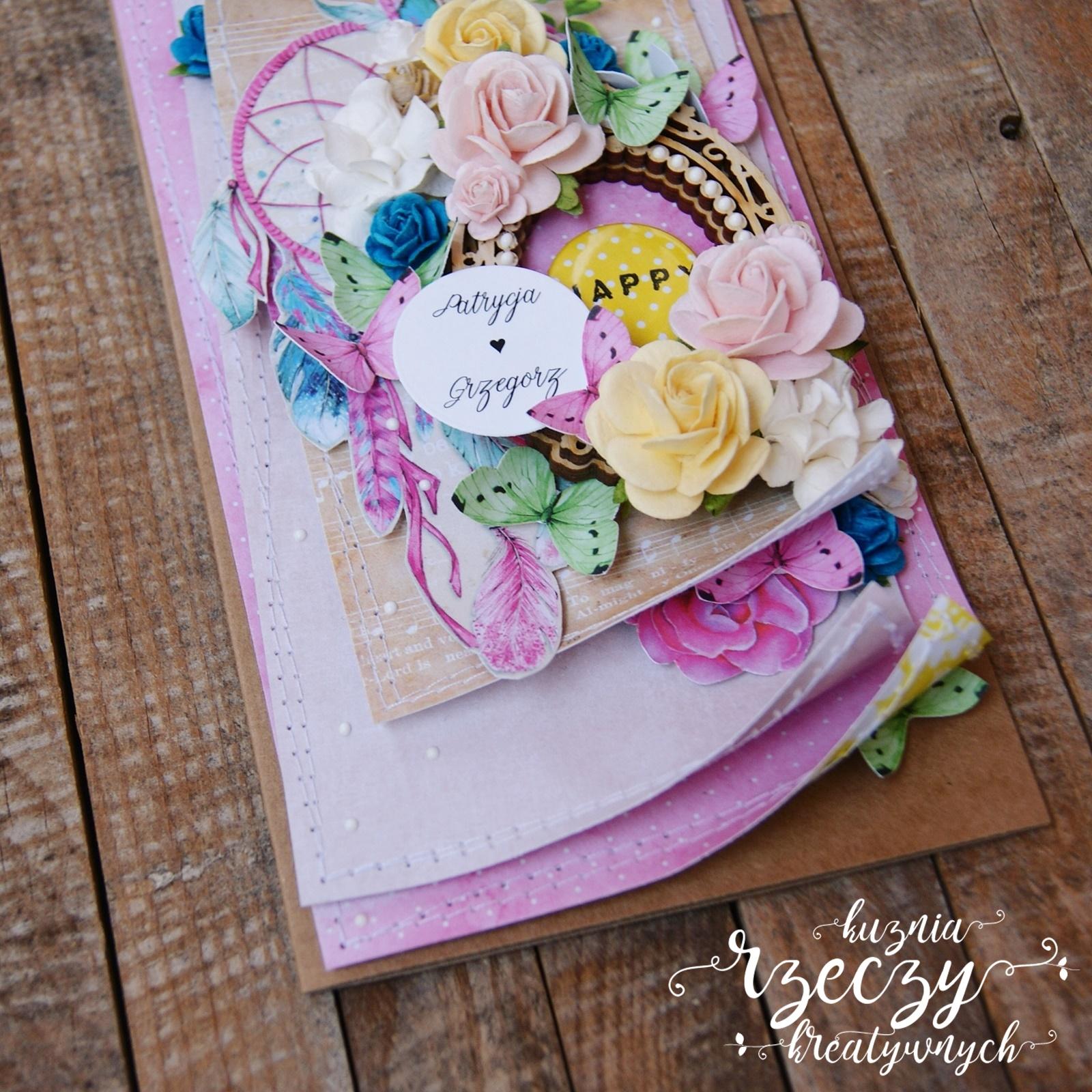 Urocza, kreatywna ślubna kartka w pastelowej kolorystyce.