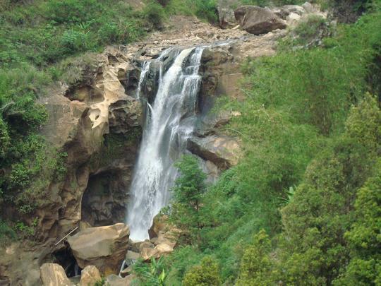 Air Terjun Sunggah Desa Selur Ngrayun Ponorogo