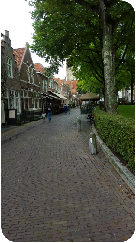 Kleine Einkaufsstraße in Veere, Provinz Zeeland, Holland (Niederlande) | Arthurs Tochter Kocht von Astrid Paul
