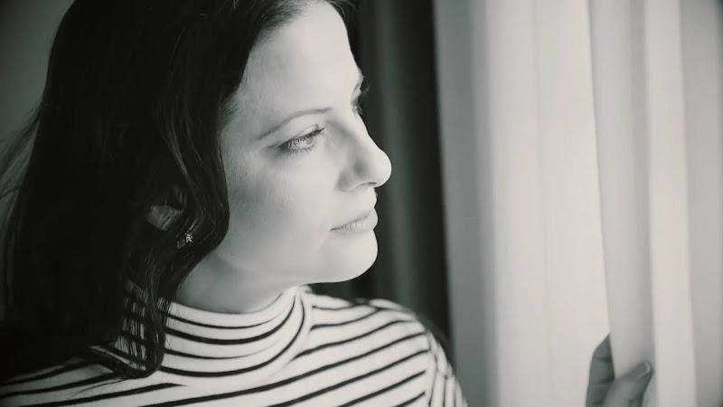 Elaine De Valero - ¨A Cuba, un amor en la distancia¨ - Videoclip - Dirección: Rubén Rubio. Portal Del Vídeo Clip Cubano