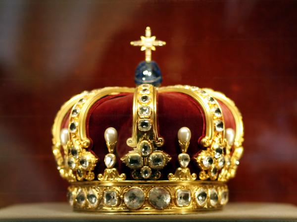 Corona de los Hohenzollern (Castillo Hohenzollern, Alemania)