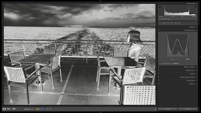 Solarización de una foto en blanco y negro