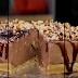 Λαχταριστό cheesecake με πραλίνα και αλμυρά φιστίκια (video)