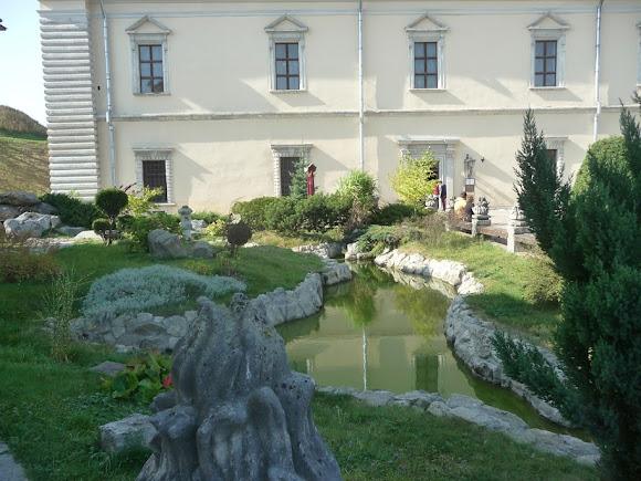 Золочів. Замок. Французський парк