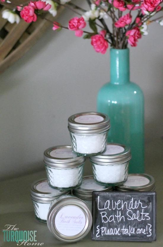 5+lavender bath salts 12 Gifts for Gals 31