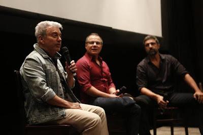 Inspirado em sua obra, Edney Silvestre fala da trama na companhia do autor Ricardo Linhares e do diretor Carlos Manga Jr