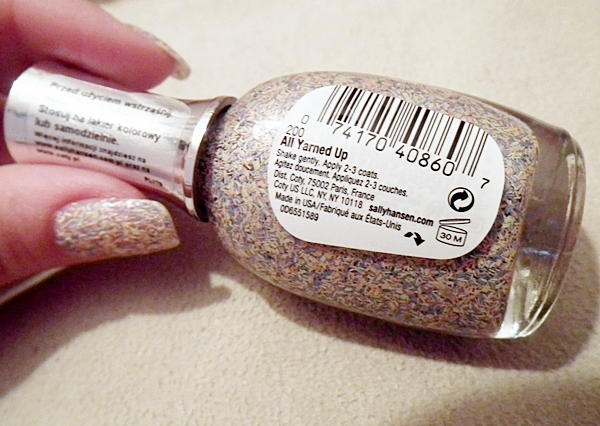 Sally Hansen, manicure, fuzzy coat, All Yarned Up, włóczka na paznokciach, wizaż