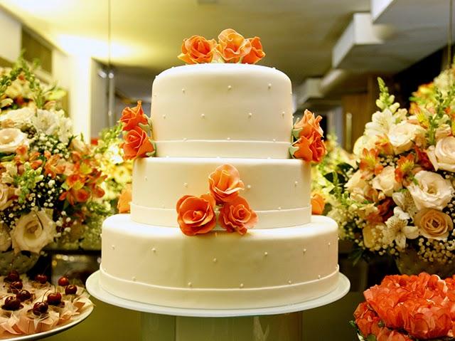 Decoração da Mesa do Bolo e Doces - Mini Wedding / Casamento