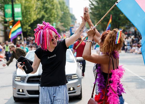 Lana Wachoski atiende el Vancouver Pride Parade en Agosto de 2017