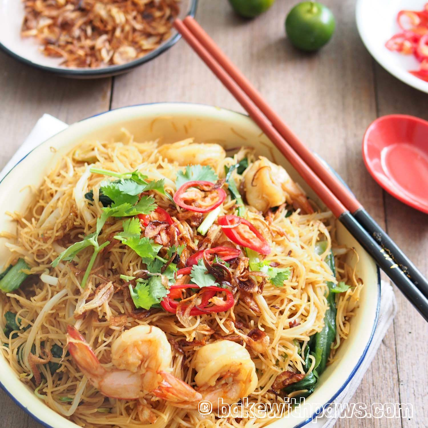 Penang Fried Bee Hoon - BAKE WITH PAWS