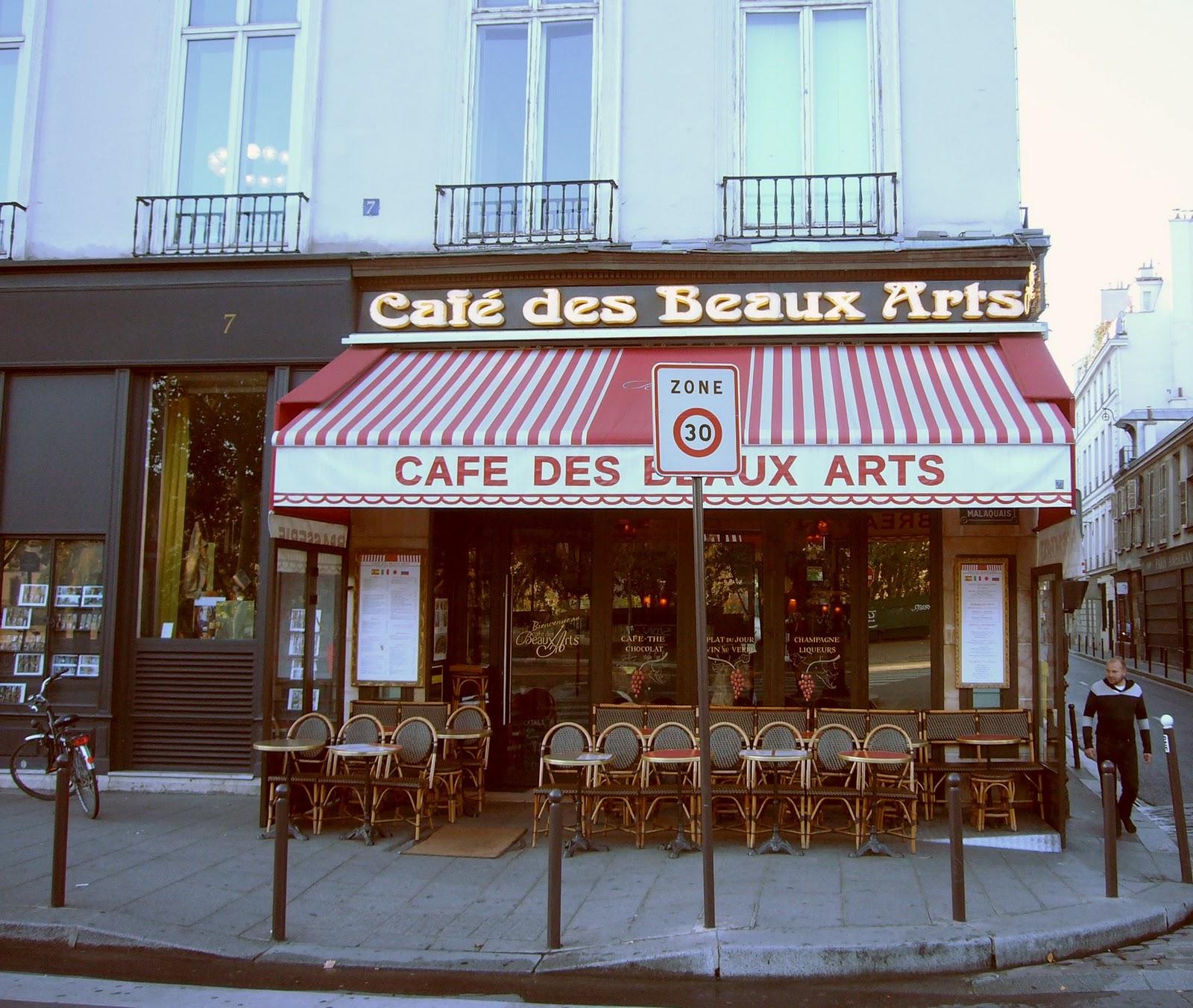 Cafe Bonaparte Parking