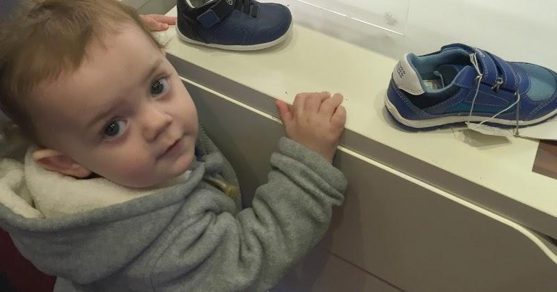 When Should Babies Wear Hard Shoes