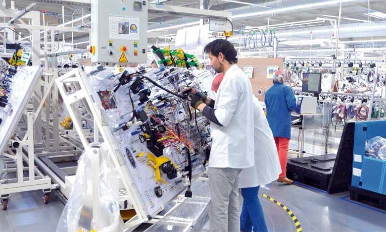 الوكالة الوطنية لإنعاش التشغيل والكفاءات:: تشغيل 120 عامل وعاملة على الآلات الأوتوماتيكية في الانتاجات الكهربائية والإلكترونيكية بطنجة أصيلة